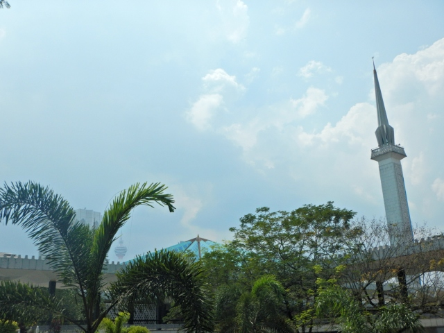 A terrible photo of the National Mosque in Kuala Lumpur.
